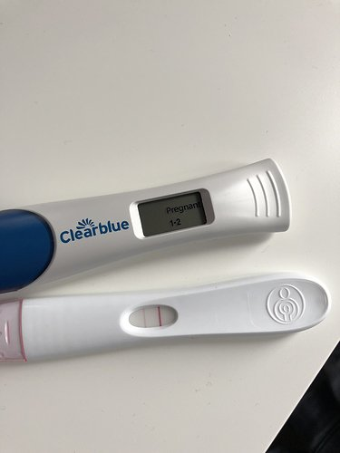 early pregnancy test clear blue positive